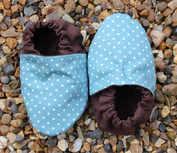 Baby booties, Aqua mini spots 3-9 months